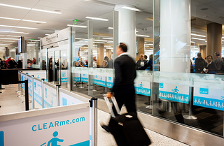 Clear card makes airport travel easy in San Francisco