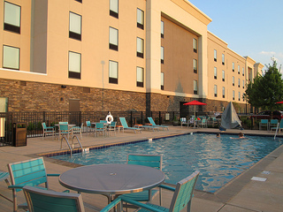 Home2 Suites swimming pool