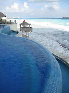"""JW Marriott Cancun infinity pool"""