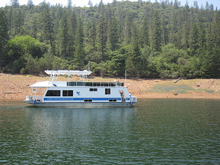 Lake Oroville Houseboat