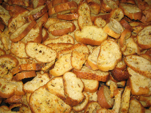 &quot;Semifreddi's Super Garlic Croutons&quot;