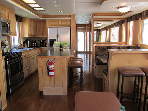 """Shasta Marina Resort"" houseboat"