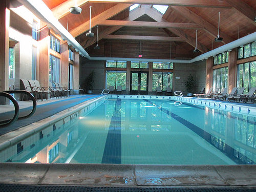 """Skamania Lodge"" pool"