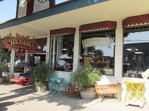 Treasures Antique Mall, antiques, Morro Bay, California
