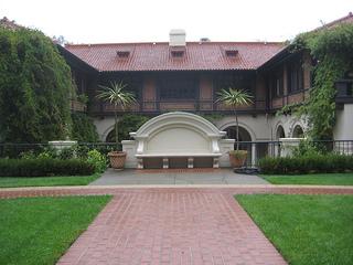"""Villa Montalvo"""