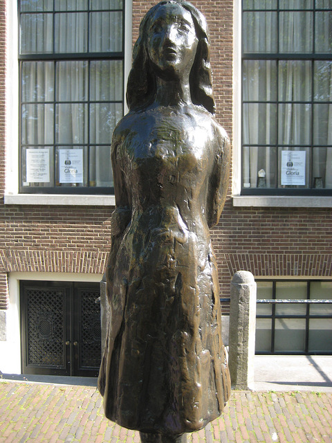 anne frank statue, anne frank, anne frank museum, amsterdam, holland