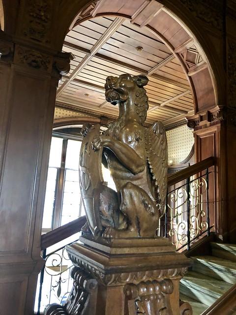 gargoyle, wood carving, victorian mansion, b & b edinburgh city center bed and breakfast, edinburgh b & b