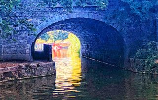 bath locks, kennet and avon canal, nine thing to do in bath, cleveland house tunnel