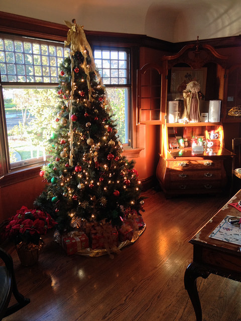 historic inns of napa, beazley house, christmas tree, napa bed & breakfast holiday tour, napa, california