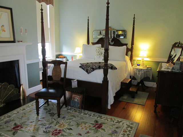 sally chestnut room, bloomsbury inn, camden, south carolina