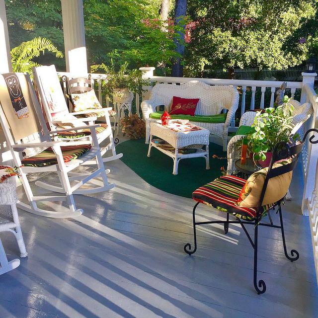 bloomsbury inn, veranda, antebellum home, b&b, camden, south carolina