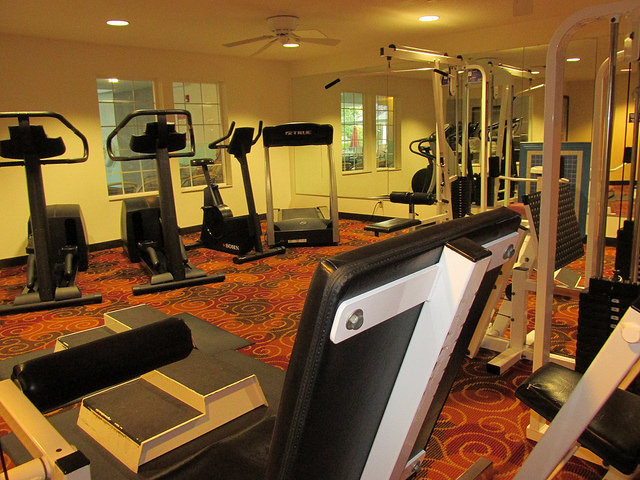 comfort suites, fitness centery, gym