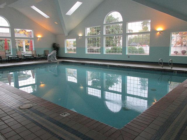 swimming pool, comfort suites, corvallis