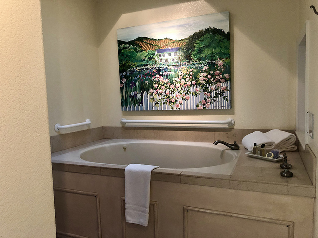jacuzzi tub, cottage grove unique calistoga bed and breakfast