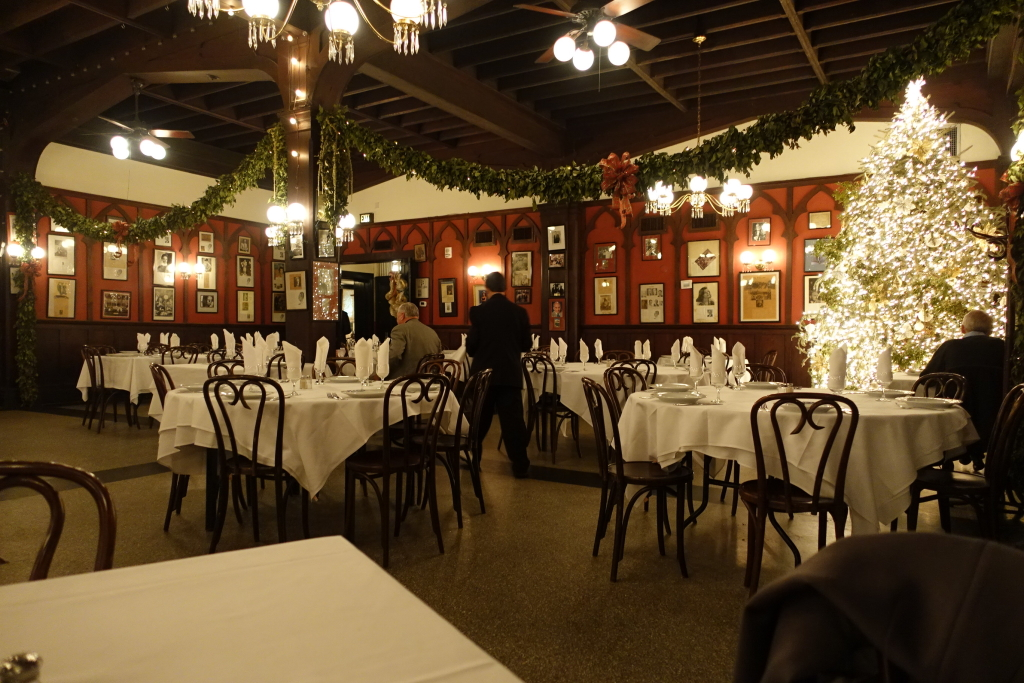 Antoineu0027s: Old New Orleans Dining At Its Finest