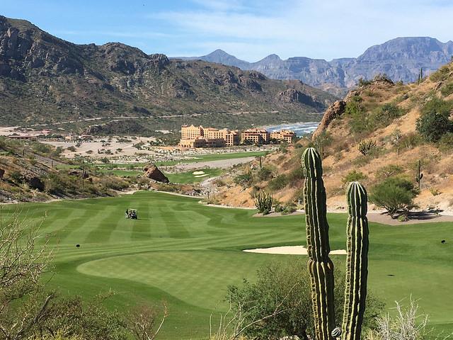 18th hole, danzante bay golf club, villa del palmar beach resort, loreto, mexico