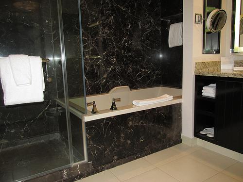 Delano Las Vegas, bathroom
