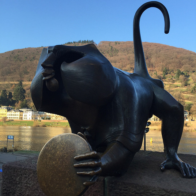 Der Brückenaff, monkey, old bridge, heidelberg, germany