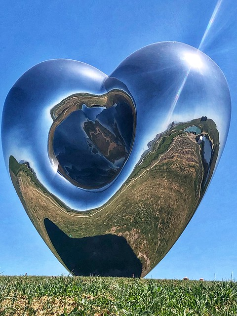 love me, polished mirror steel heart, richard hudson artist, donum estate sculpture park sonoma california
