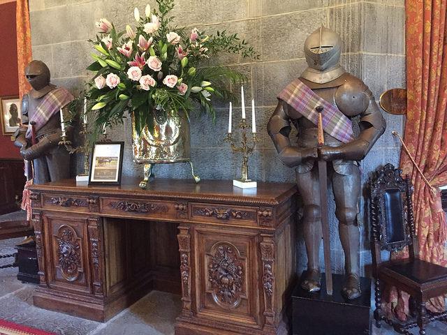 suit of armour, knights, dromoland castle, castle hotel county clare, ireland castle hotel, county clare, ireland