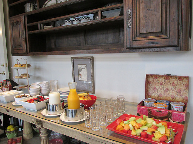 breakfast buffet, complimentary hot breakfast, chef-prepared meals, los altos, california, enchante hotel