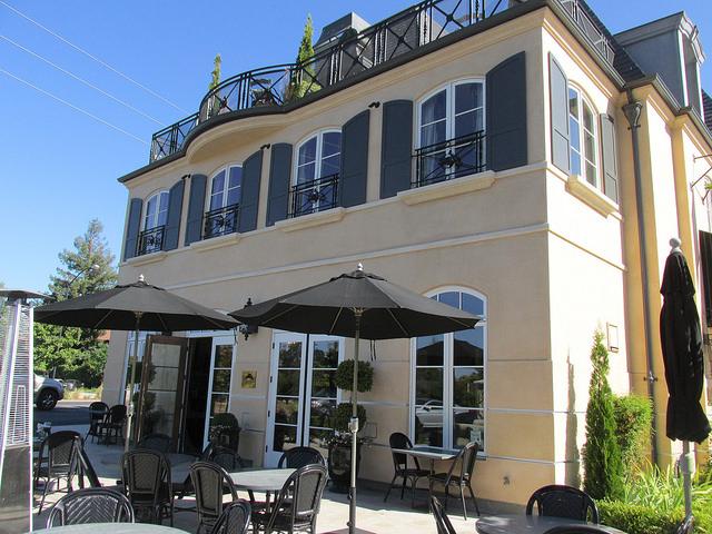 enchante hotel, los altos hotel, pet-friendly hotel in los altos, patio dining