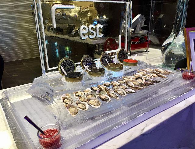 esc lounge, oysters & caviar at esc four seasons palo alto, escape lounge, four seasons palo alto