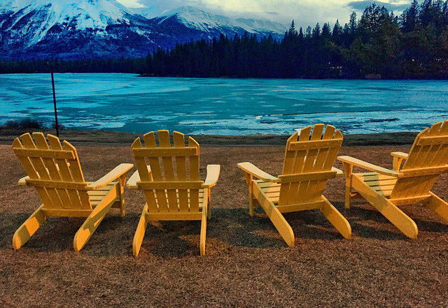FairmontJPL Adirondack Yellow Chairs Lac BeauvertINSTAGRAM640x480