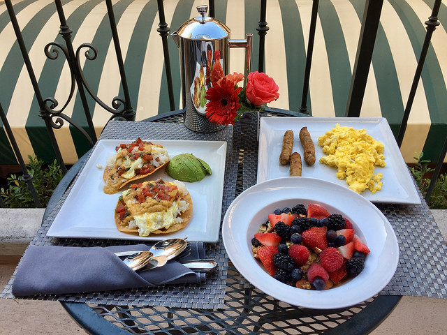 room service, breakfast, garden court hotel, luxury boutique hotel, palo alto, california