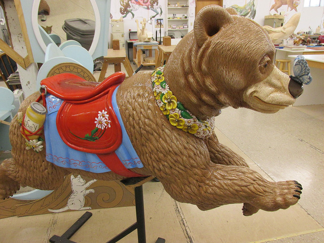 honey bear, albany carousel, museum, willamette valley, oregon