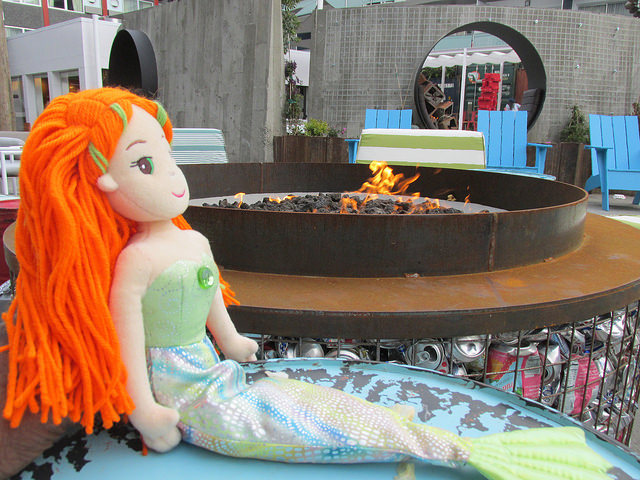 Gigi, Mermaid, Hotel Zephyr