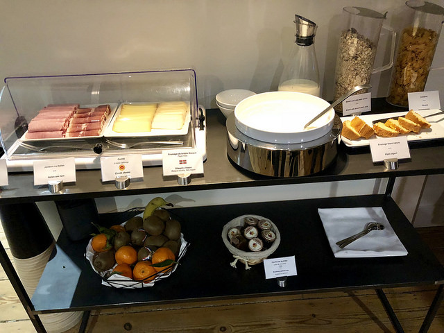 breakfast buffet, hotel de tourny, bordeaux, france