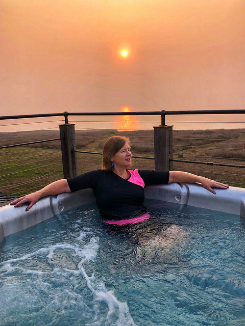 travel blogger nancy d brown, inn at newport ranch review, hot tub, pacifc ocean, fort bragg california, sunset