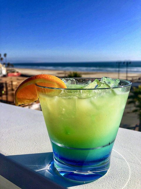 cocktail, rooftop bar, inn at the pier, pismo beach, california