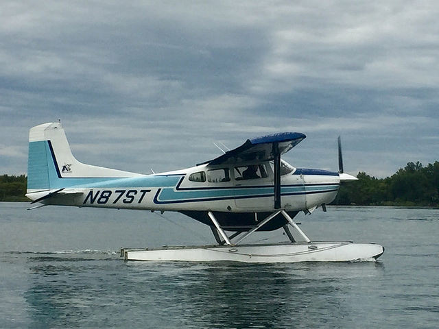 float plane, king salmon lodge, naknek river, king salmon alaska