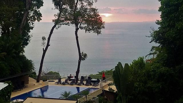 los altos resort costa rica, los altos resort sunset, los altos infinity pool, manual antonio costa rica resort,costa rica sunset