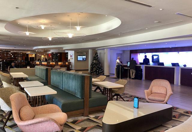 miami airport marriott, miami airport hotel, marriott hotel lobby
