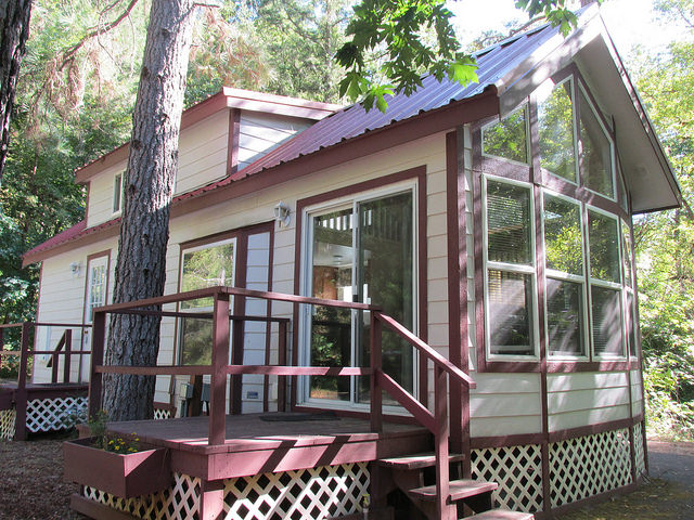 tuckaway cottage, morrison's rogue river lodge, southern oregon