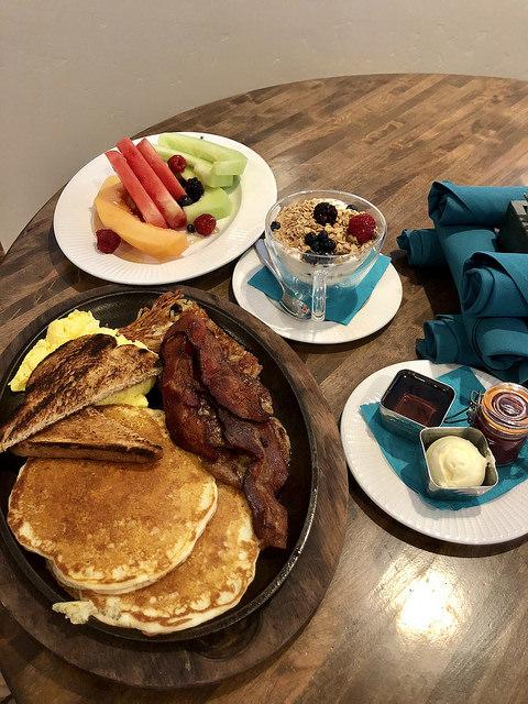 murieta inn and spa hotel review, gate restaurant, breakfast, rancho murieta hotel