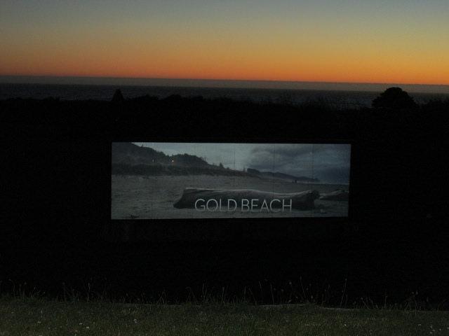 pacific reef hotel, gold beach hotel, outdoor adventure theater, gold beach sunset, oregon coast, oregon