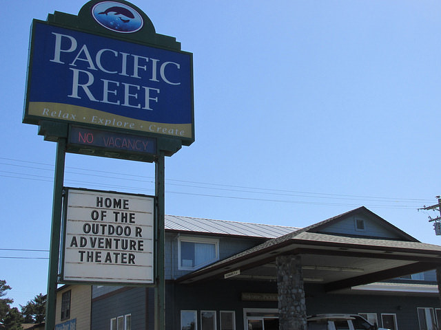 pacific reef hotel, gold beach hotel, oregon coast hotel, outdoor adventure theater, gold beach, oregon