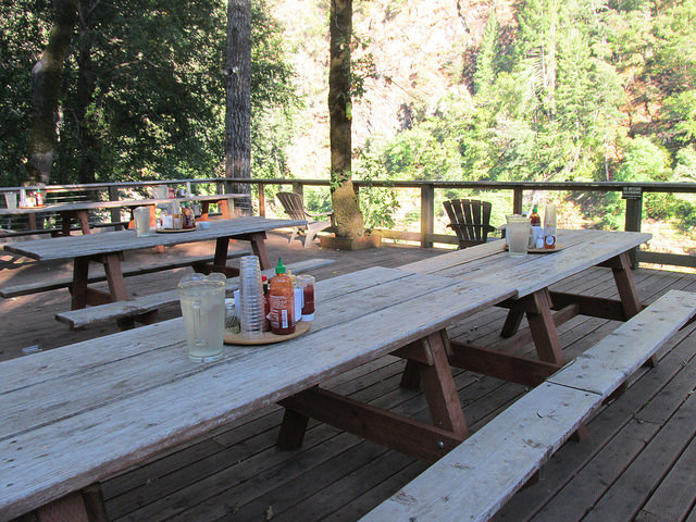 paradise lodge, deck, rogue river, southern oregon