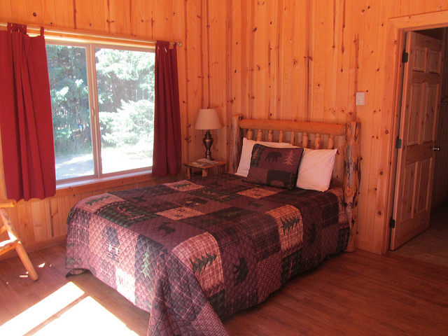 paradise lodge, cabin, rogue river, southern oregon