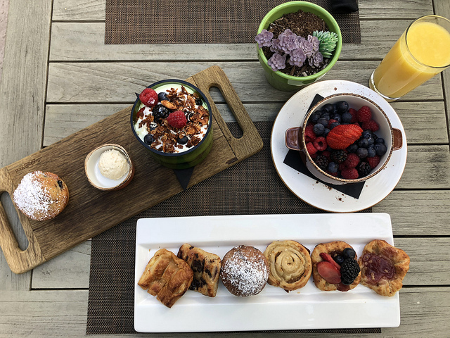 breakfast tray, alba restaurant, river terrace inn, downtown napa, california, noble house hotel review