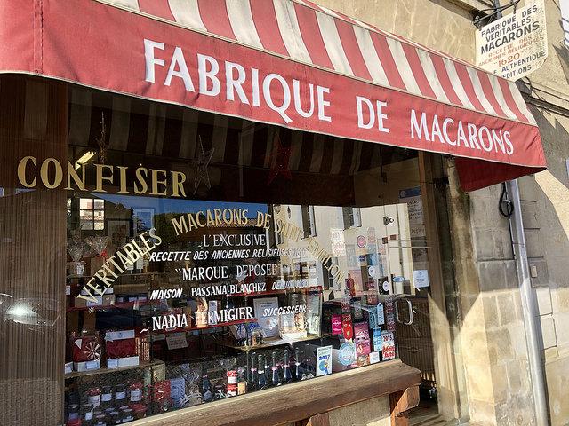 fabrique de macarons, saint emilion, france, basque food, nouvelle aquitaine dessert