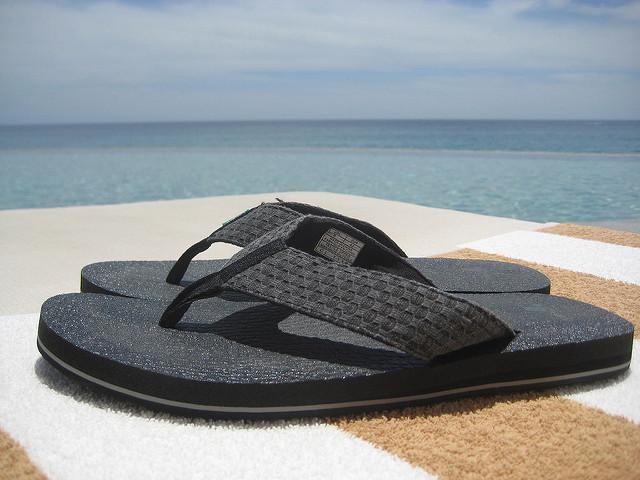 sanuk, flip flops, yoga mat, sandals