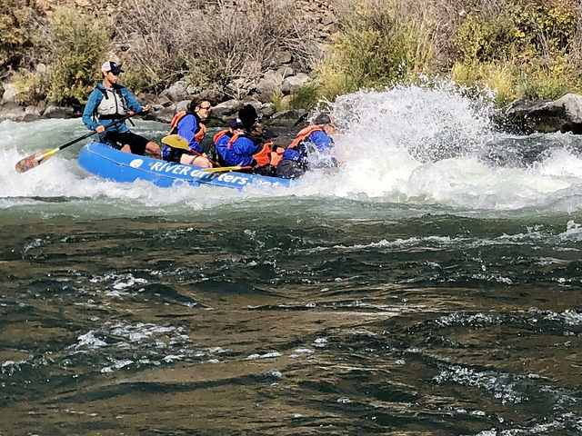 whitewater rafting river drifters, lower deschutes river, uncruise rivers of adventure, small ship cruise, maupin oregon