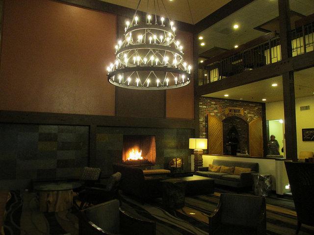 valley river inn, hotel, eugene, oregon