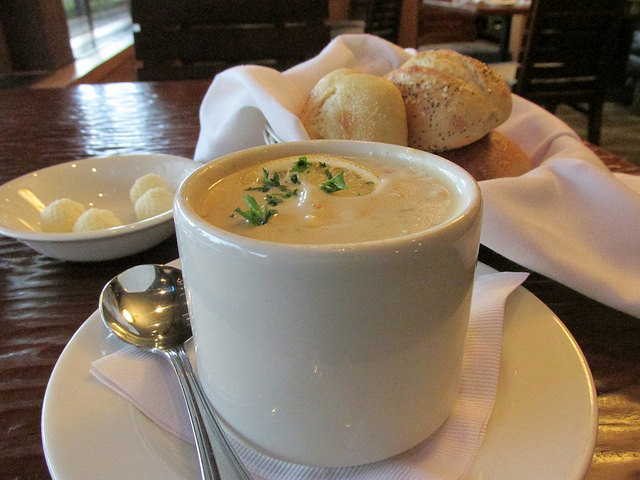 chowder, sweetwaters restaurant, valley river inn
