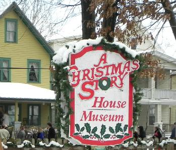 1940s era nostalgia on a movie set - What Year Is Christmas Story Set